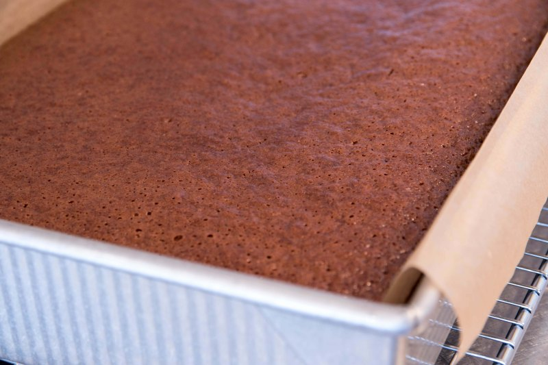 Molasses Gingerbread with Ginger Bourbon Glaze-4